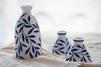 手绘陶瓷酒具