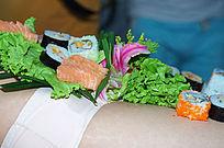 寿司和蔬菜