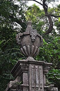 花纹石刻装饰门柱
