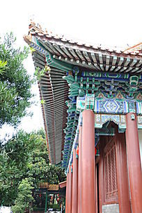 世界文化遗产圆明新园园内梁上彩色油画特写