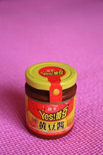 黄豆酱罐头