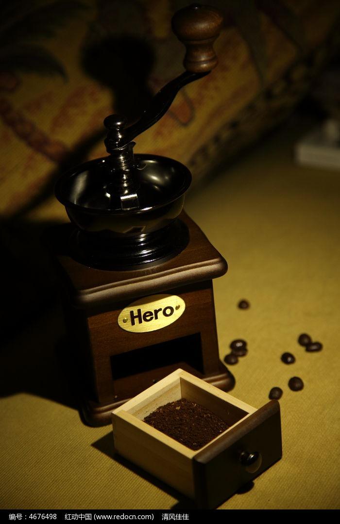 木制手摇咖啡磨豆机