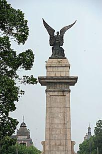 松江影视基地和平广场雕像近景
