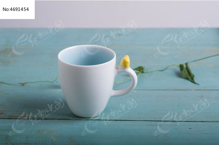 创意马克杯  请您分享: 素材描述:红动网提供日常用品精美高清图片图片