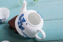 打开的茶壶