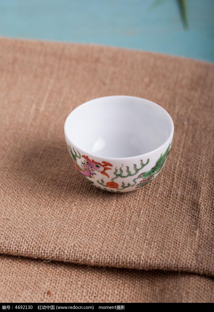 精美手绘茶碗
