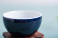 蓝色陶瓷特写