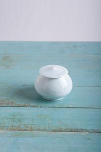 莲花陶瓷茶罐