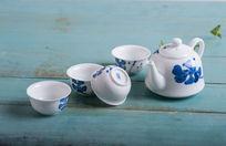 手绘莲花茶具