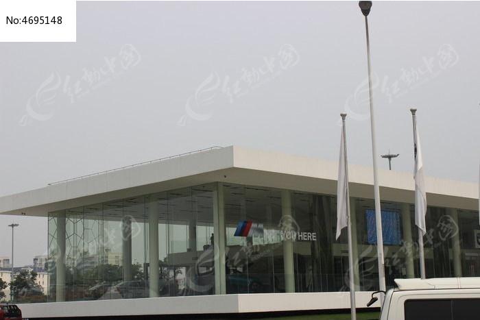 白色外观是汽车店图片,高清大图_城市风光素材