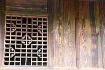 均郧房县委县政府的旧址的门窗