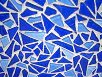 蓝色的背景墙