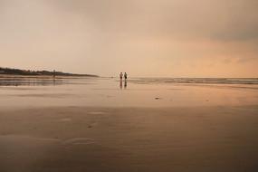 海岸远处的景色