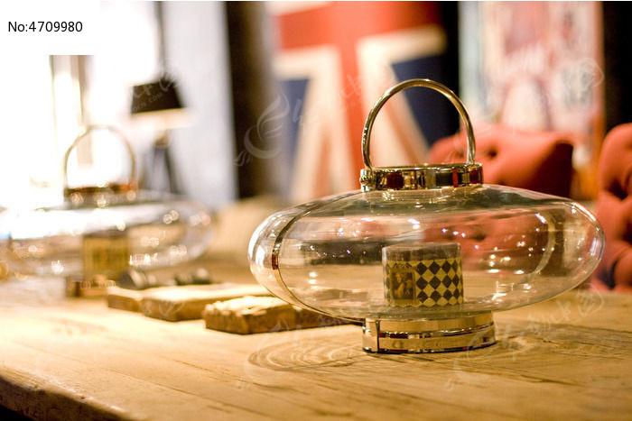 家居玻璃饰品展示图片