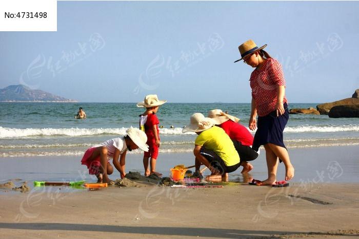 海边旅游人物