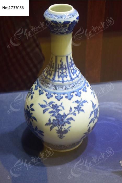 花纹青花瓷花瓶图片