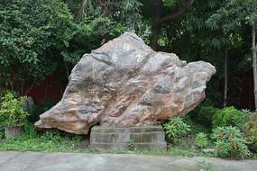 吉祥鸟石雕