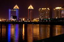 郑州如意湖边的楼房