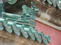 古代屋檐上雕刻的神兽