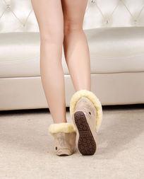 金色豆豆鞋侧鞋底纹理