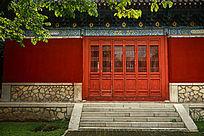 岱庙内的中式传统古建筑正门