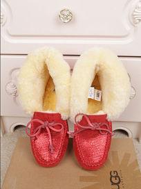 大红色蜥蜴纹长毛暖和冬天穿豆豆鞋摄影正面