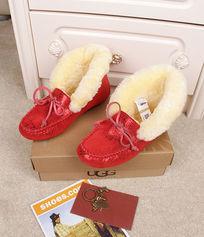 大红色蜥蜴纹豆豆鞋摄影