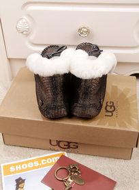 黑银蜥蜴纹豆豆鞋毛茸茸暖和后面摄影