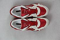 红白鞋子俯拍