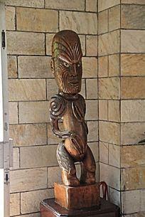 青铜人物雕塑作品