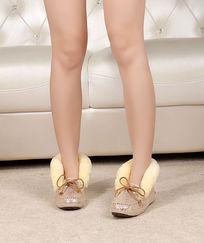 上脚豆豆鞋前面金色