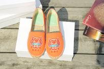 橙色小鞋子
