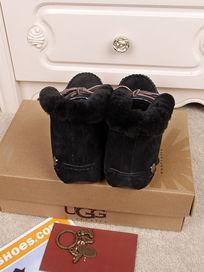 黑色鞋子跟