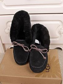 黑色鞋子正面