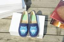 蓝色小鞋子