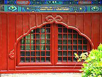 古代窗户的木雕刻图案
