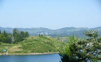 景色怡人的山水画