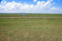 巴士与草原