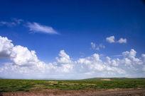 草原上的云彩