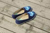 蓝色侧面拍摄小鞋子漂亮