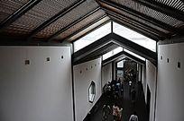 苏博室内屋顶高低变化效果