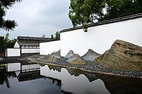 苏州博物馆池边假山壁