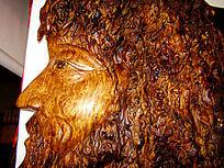 一幅人头雕刻