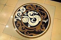 瓷砖地面上的大理石拼花图案背景素材