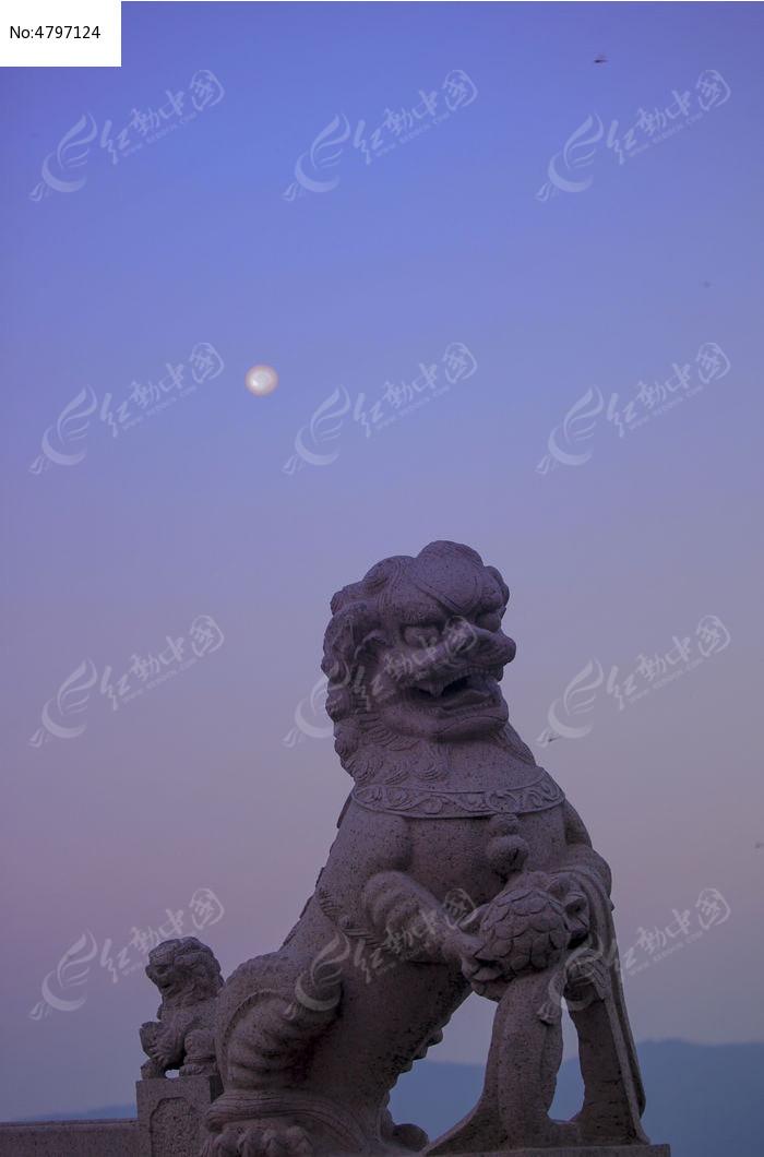 原創攝影圖 自然風景 江河湖泊 石獅月光  請您分享: 紅動網提供江河
