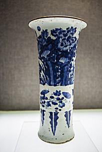 植物图案青瓷筒