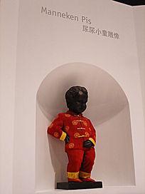 世博会比利时欧盟馆撒尿小童侧面