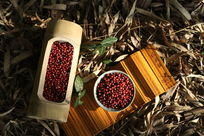 竹筒里的红豆