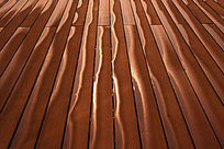 木板上的光影