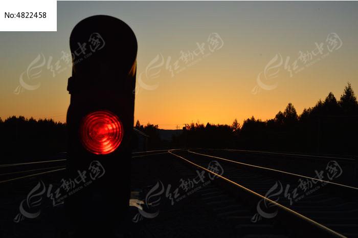 铁路红色信号灯图片,高清大图_运输物流素材